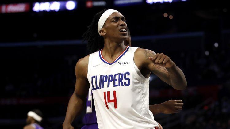 """Losandželosas """"Clippers"""" ar divas sezonas aizvadījušo Mennu vienojas par 22 miljonu līgumu"""