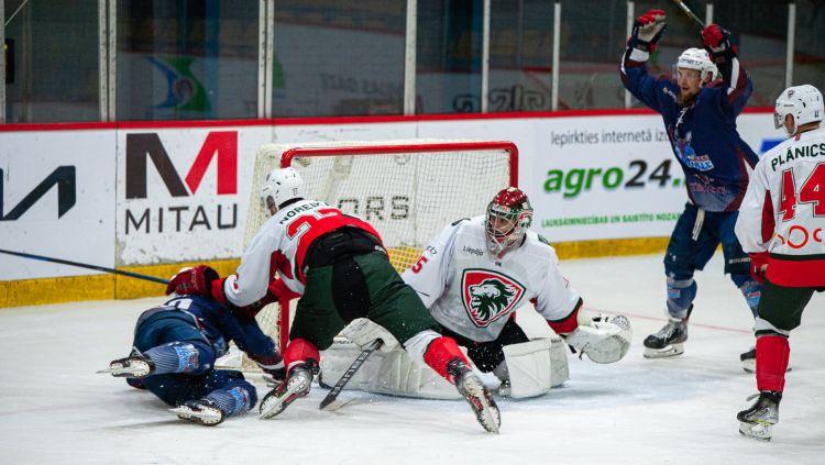 """Liepājā arī hokejs: """"Zemgale"""" centīsies pārtraukt kurzemnieku septiņu uzvaru sēriju"""